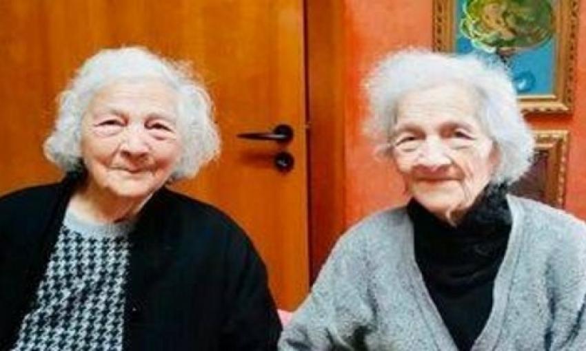 Il Salento festeggia il secolo di vita di due gemelle omozigote, Maria e Adele