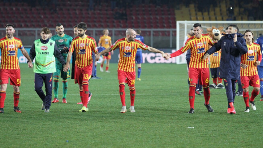 U.S. Lecce, i calciatori rinunciano a un mese di stipendio