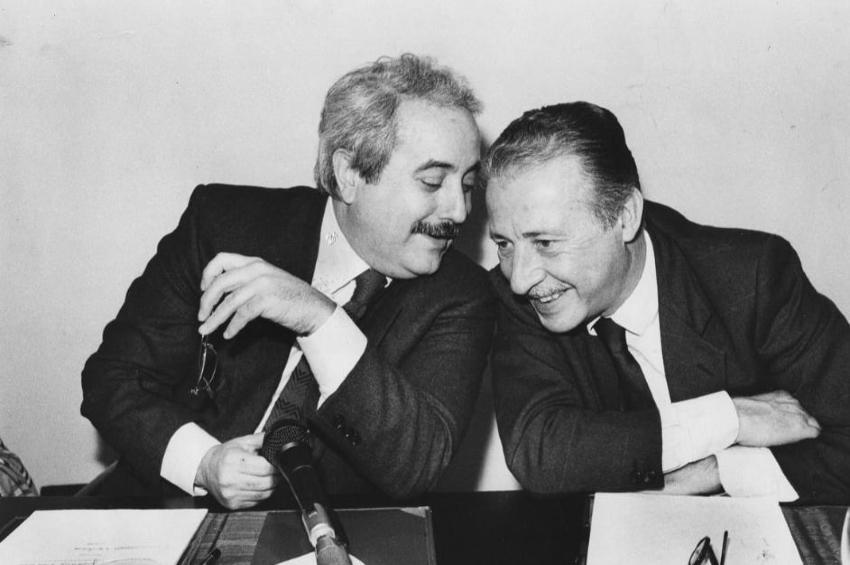 23 maggio: Palermo chiama, Squinzano risponde. Lenzuoli bianchi ai balconi nel giorno della legalità