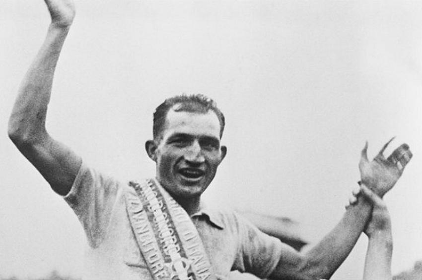 Mattarella ricorda Bartali, leggendario ciclista che salvò centinaia di ebrei