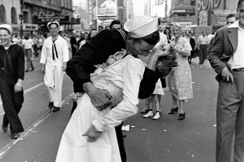 6 luglio 2020: la Giornata mondiale del Bacio compie 30 anni...nonostante il Covid-19